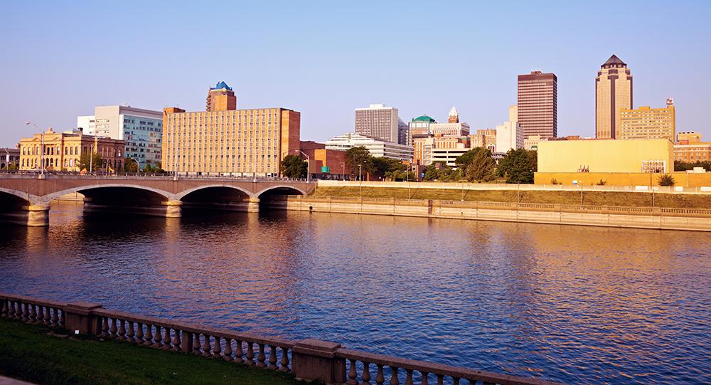 Des Moines.