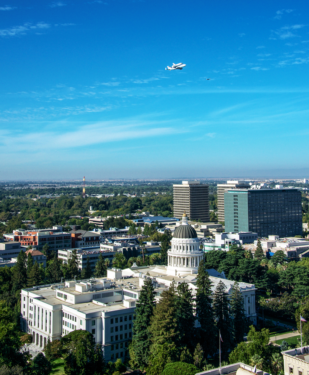 Space Shuttle Endeavour Flying Over Sacramento.